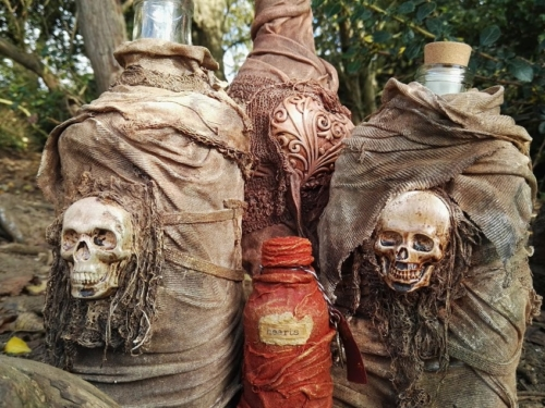 Powertex ancient bottles with Bister and skulls